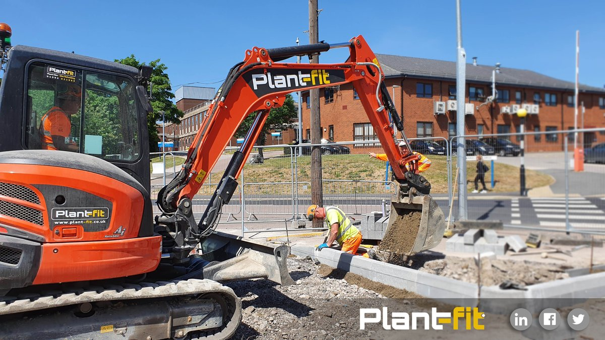 Supplying the all-important equipment for the hospital ground works at the Northern General in Sheffield.  #planthire #Doncaster #civilengineering #Yorkshire #agriculture #constructionuk #localbusinesses #excavator #machinehire #Tools #constructionsitepic.twitter.com/dk7encC5jX