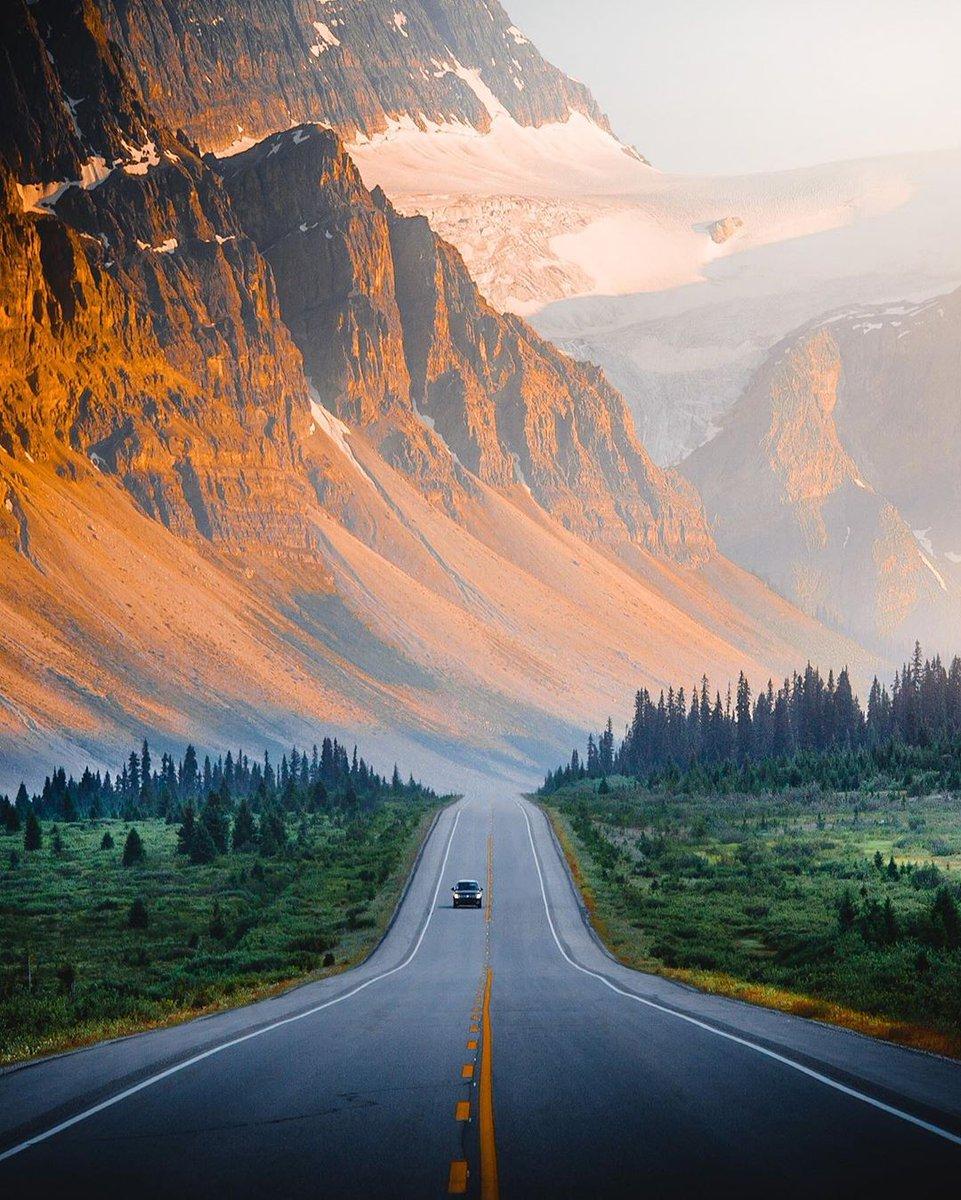 Amazing Hill Road #Canada  pic.twitter.com/agBzSFjw3v