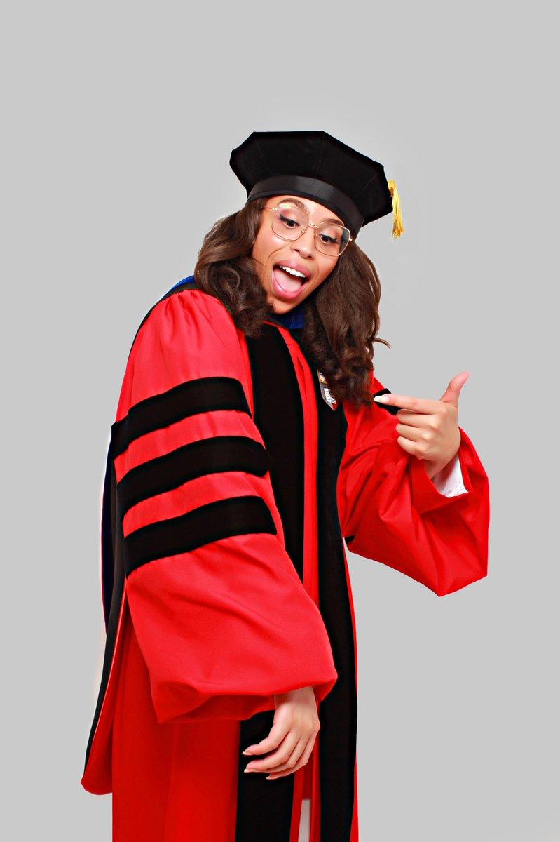 This PhD degree was never just for me... instagram.com/p/CA5JY1ynrdg/…