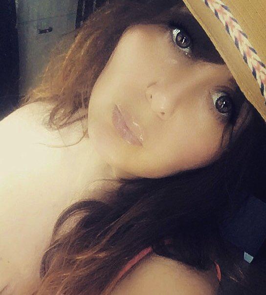 Le chapeau est de sorti ... 🤩💕 ... Soleil ☀️ Soleil ☀️ Soleil ☀️❤️ #soleil #chapeau #mode #sorti #detente #1juin #ferié #rire #sourire #belleapresmidi https://t.co/tZuo35W2Sr