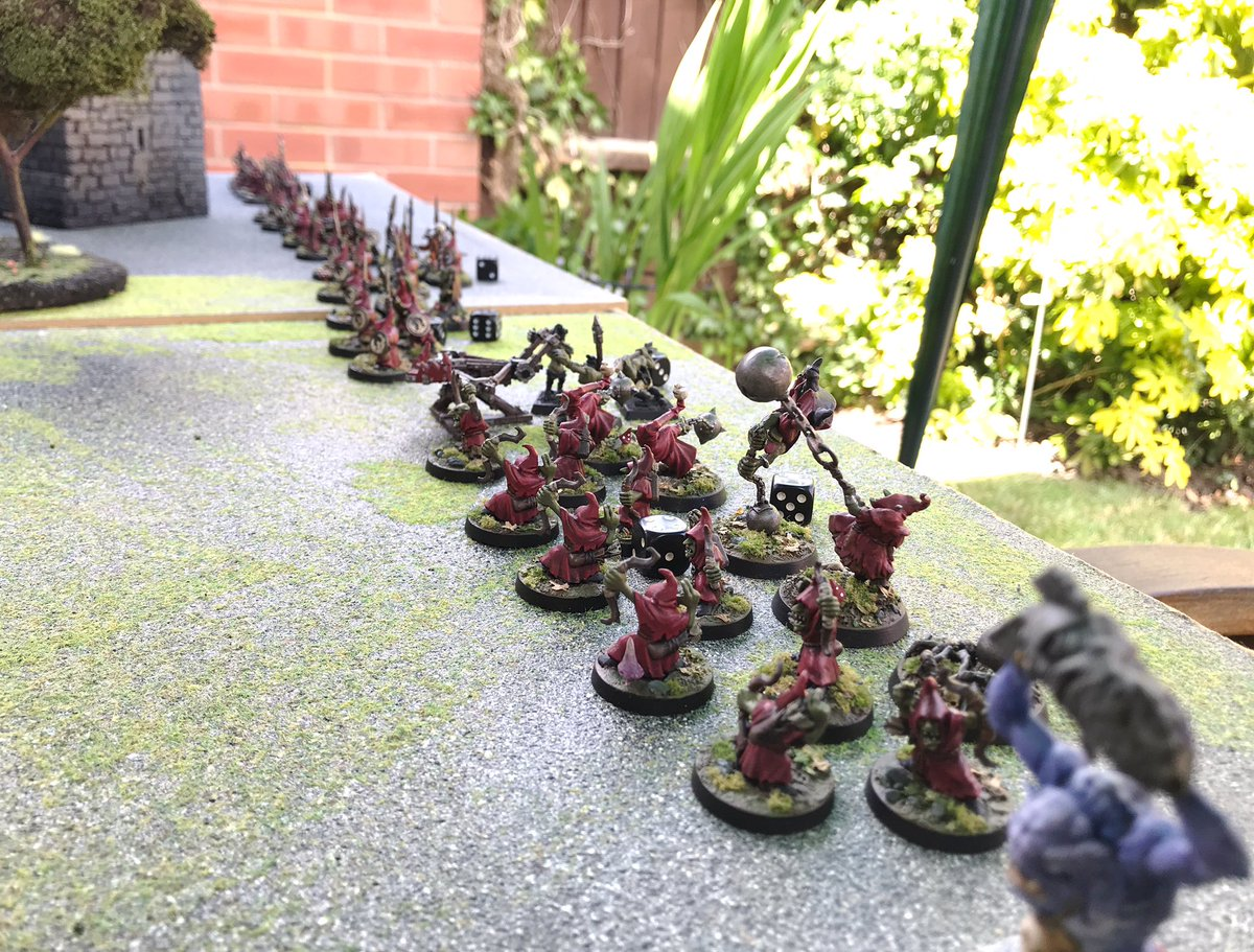Played my first wargame in months yesterday! a game of #WarlordsOfErehwon (outdoor and social distanced!). I took Goblins against my mates creepy looking Greek undead. It felt really good to see my mate and roll some dice after so long 👍🏻 #WarlordGames 1/3 https://t.co/5zJ45CDupw