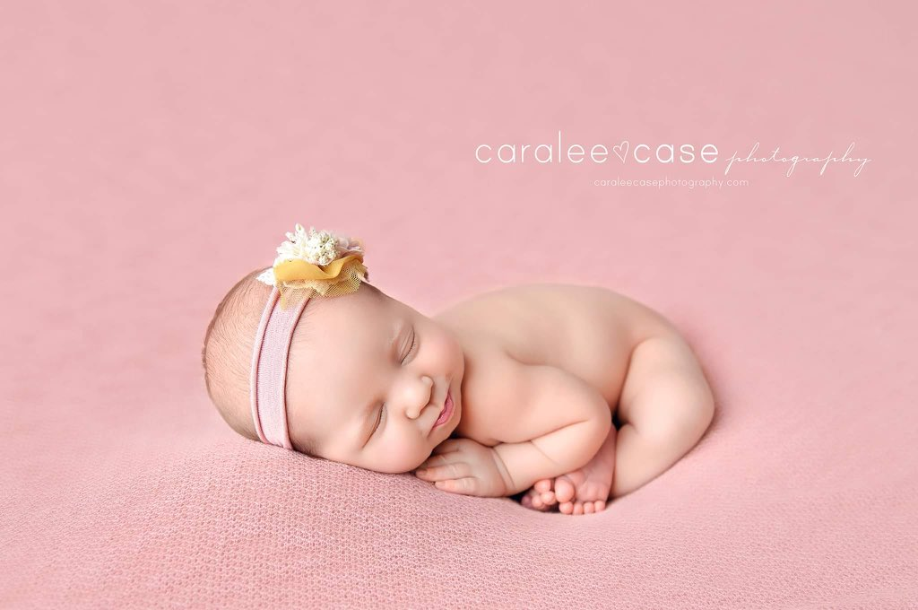 A smile from sweet Hadley for Monday.   Headband ~ Birdie Baby Boutique #SweetSmile #Sweet #SweetBaby #Monday #Baby #Babies #Newborn #Newborns #BabyPhotography #BabyPhotographer #NwebornPhotography #NewbornPhotographer #Photographer #BabyLove #Headband #SoCute #Love #Preciouspic.twitter.com/WRvEl7oecD