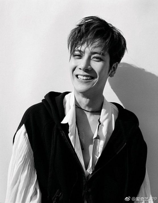 A thread of Jackson wang smiling to cleanse your timeline: ♡ <br>http://pic.twitter.com/xCvawAYSjb