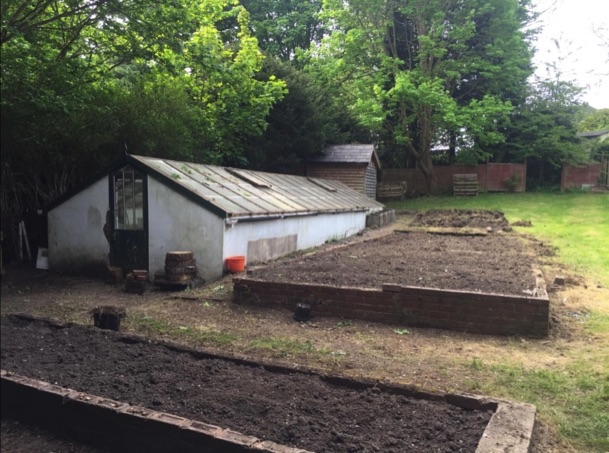@kenwood_hall have opened up their grounds to their local community to create a new community food garden. https://t.co/ym1t0VRm2W
