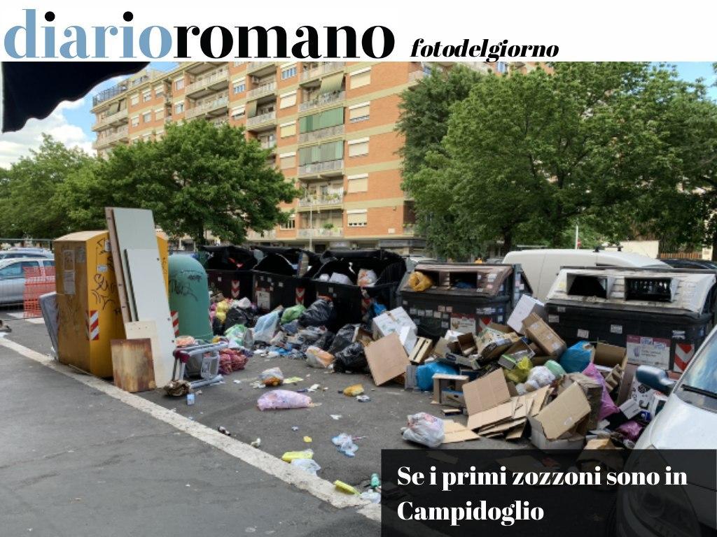 test Twitter Media - Roma sarà anche piena di incivili, ma i primi responsabili di spettacoli simili sono coloro che mantengono il metodo dei cassonetti in strada non presidiati. . #Roma #foto #lettori 📸 https://t.co/SesuLz2pdY