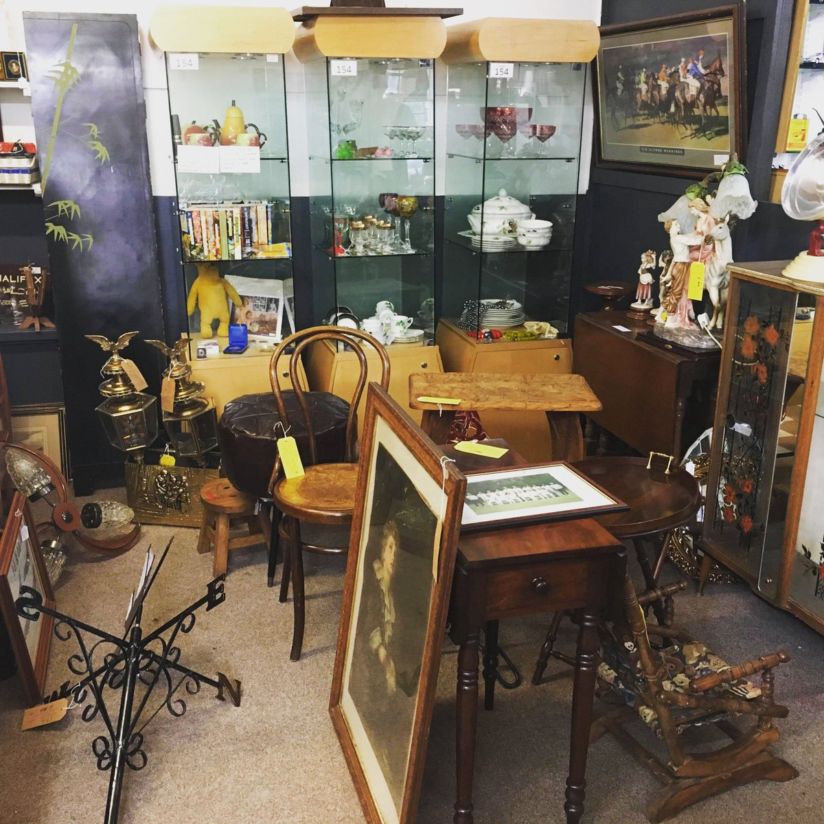 Enjoy your evening!  #antiques #antiquesshopping #virtualantiquesshopping #astraantiquescentre #hemswell #lincolnshire https://t.co/7ETIS127HE https://t.co/SomsU8QsPk
