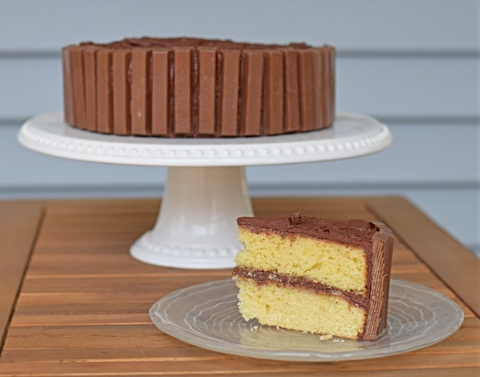 Break Me Off A Piece Of This Kit Kat Cake!  #birthdaycake #cakes #easyrecipes #dessert #homemade