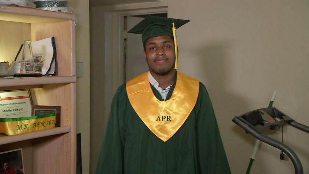 Homeless high school student graduates valedictorian https://t.co/NB3w44jHm4 https://t.co/RsJnpBefSs