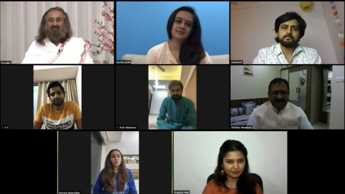Knowledge & meditation helps you go inwards. It is only when you look inward, that you discover the right way to move forward. Interacted with @arohwelankar, @officialamruta, @prajaktamali, @shashank_ketkar, @spruhavarad & @vaibbhavt from Marathi film fraternity. #worldmeditates https://t.co/EkQZMOjwFL