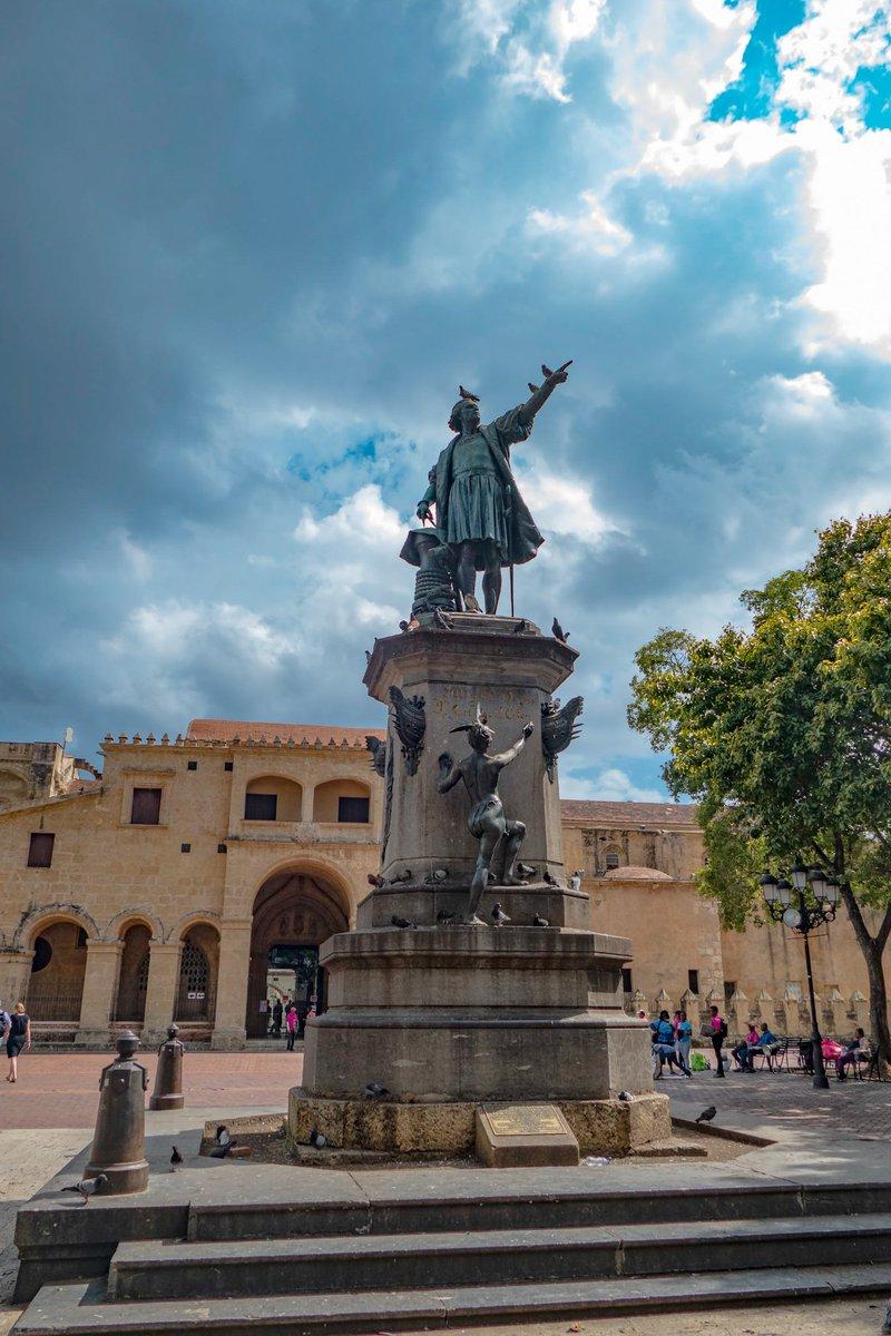 Santo Domingo, Dominican Republic  Statue Of Columbus  #SantoDomingo #Columbus #Travelphotography #march2020  📷#PanasonicLumix  @garcialopez63 🙂
