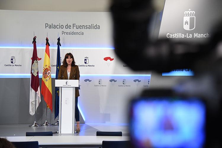 Castilla-La Mancha inicia la fase 2 de la desescalada con el reparto de mascarillas en farmacias - https://t.co/a5mFZGzkFI https://t.co/KLBi3yQSrF