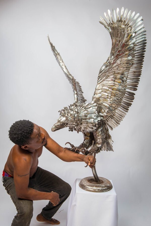 Meet Abinoro Akporode Collins, Nigerian artist who makes life-size sculptures using spoons. https://t.co/6TQt2P3zQg