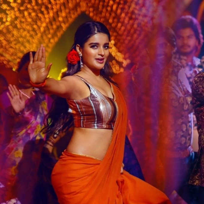 @AgerwalNidhhi makes a massive special mass steps in @AshokGalla_ film#ProductionNo1   #JumbareReloaded   All the best for your future endeavours @amararajaent  #NidhhiAgerwal #nidhhipic.twitter.com/cyHhkV1woa