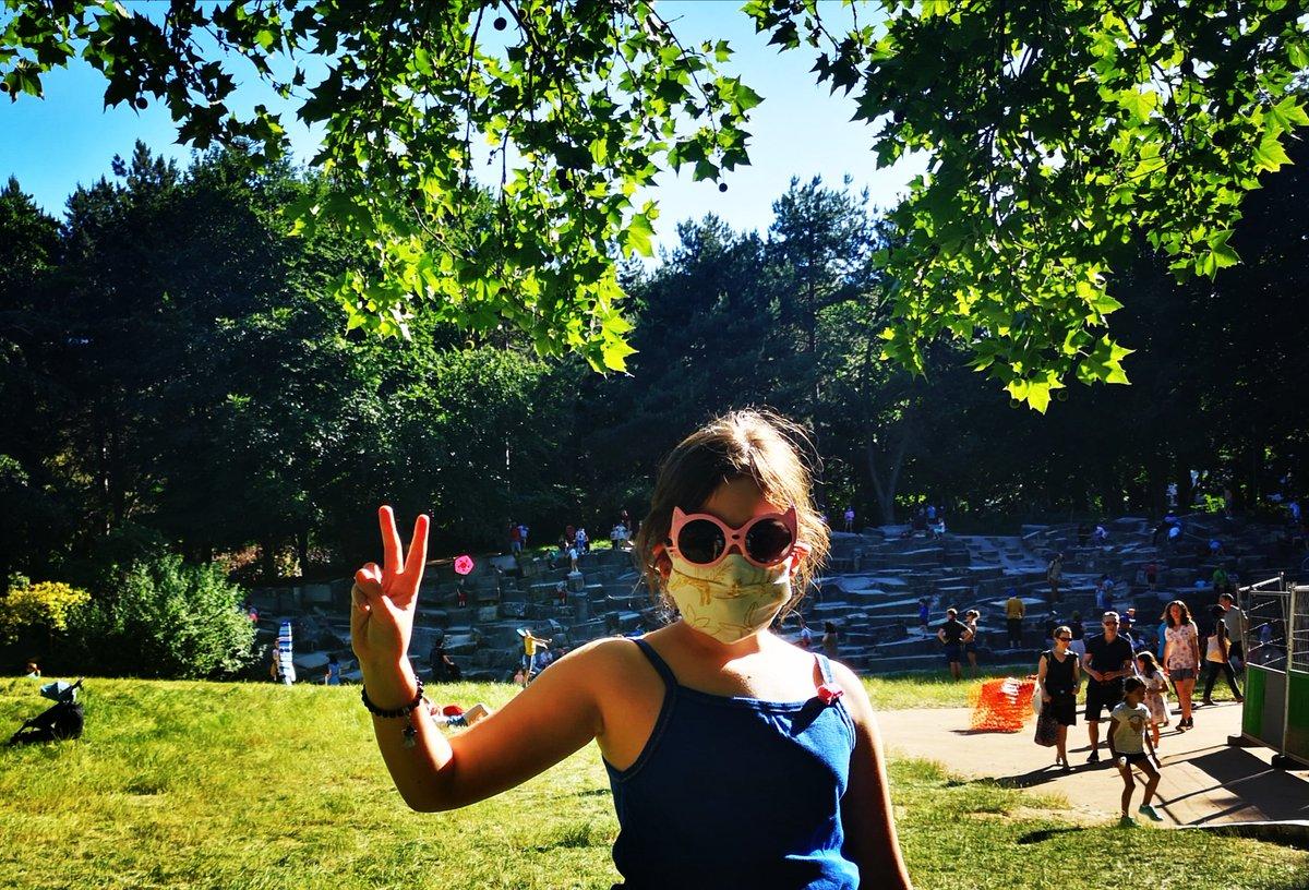 Happy days with my little girl  #Paris15 #Paris pic.twitter.com/X9Iq529rl8