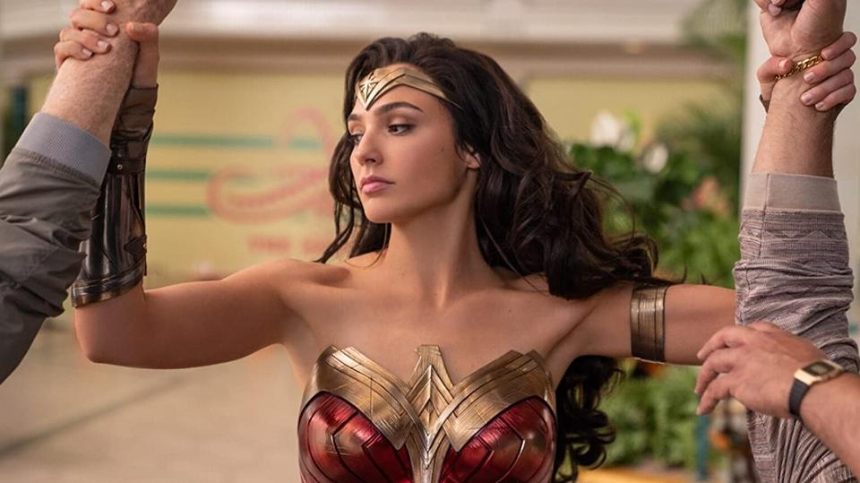 Tentpoles like #Tenet, #WW84, #BlackWidow and #NoTimeToeDie cant save Hollywood from a potentially record-low domestic #boxoffice for 2020, but they can give theaters a chance to rebound in 2021 and beyond. via @Forbes by @ScottMendelson forbes.com/sites/scottmen…