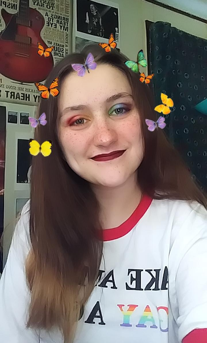 #wdwlgbtq Happy Pride Month to my fellow LGBTQ+ community! I'm Polysexual, but I usually just say I am Gay because I believe that my sexuality doesn't need a label & I'm proud to be me!pic.twitter.com/srfwhRb6fa