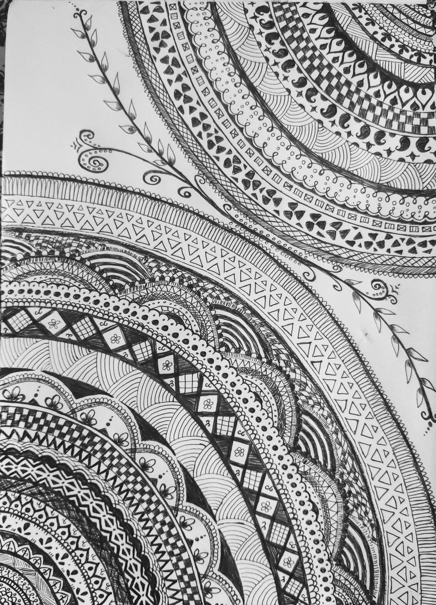 Drawing #mandala is very therapeutic! And addictive too!  #hobbies pic.twitter.com/oiApOnwKKQ