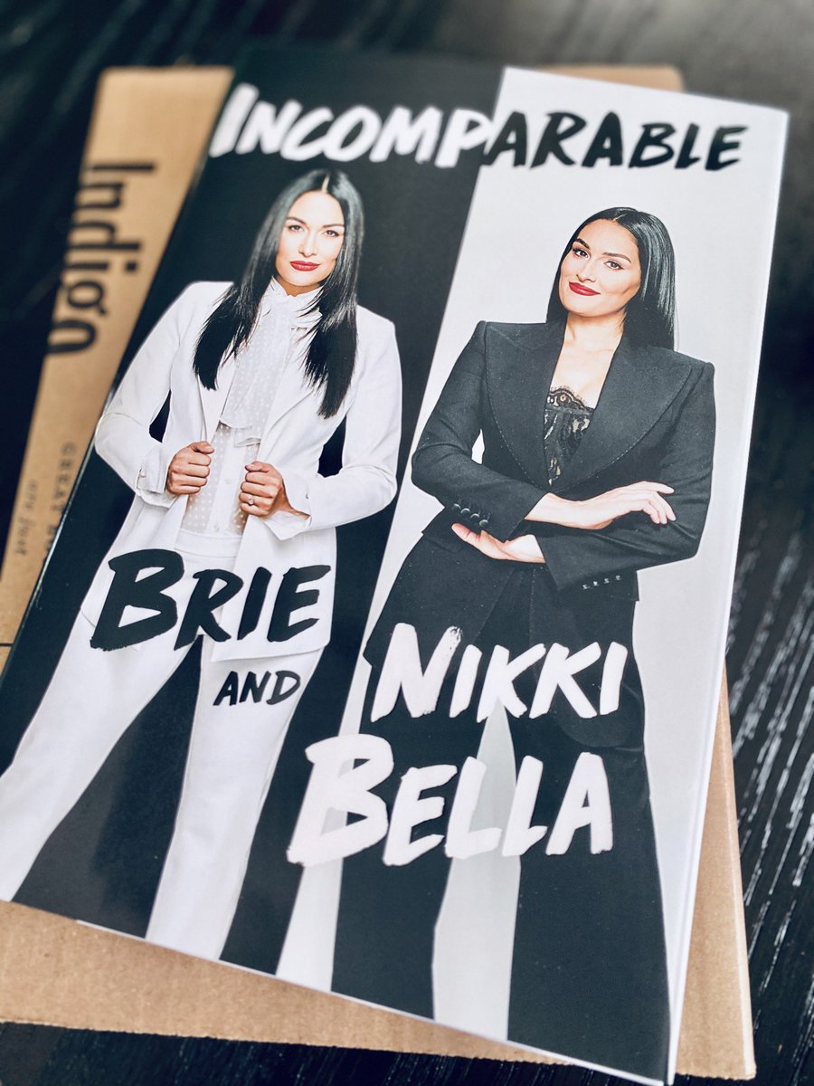 Can't wait to open a bottle of wine and dive into this @BellaTwins #Incomparable #TotalBellas #BellaArmypic.twitter.com/VChD3pF1bn