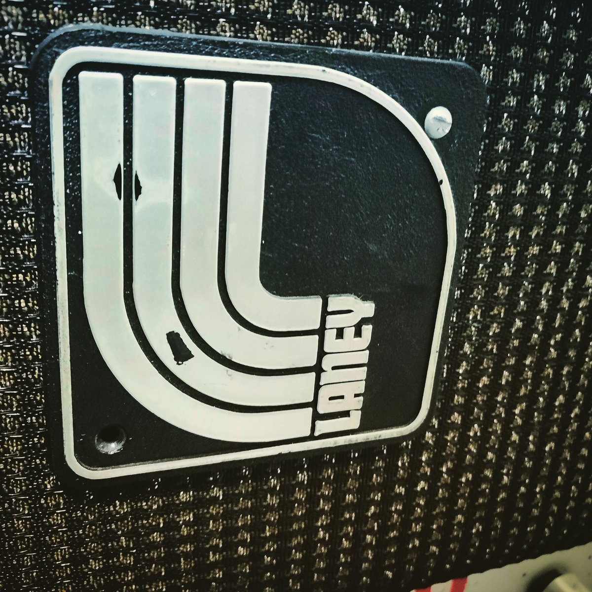 Again #laney #logo but different era pic.twitter.com/o8BJ1qpnao
