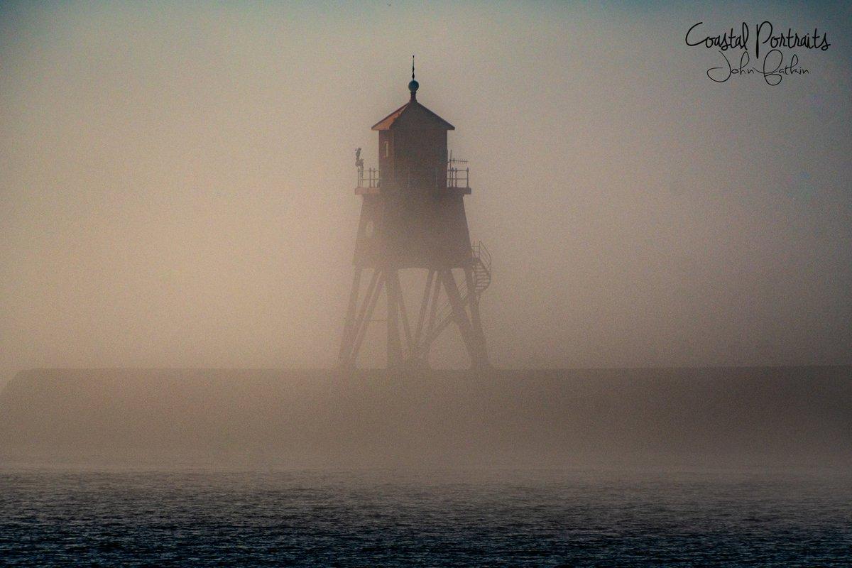 Fog on the Tyne #StormHour #ThePhotoHour pic.twitter.com/LzbNbfRiPl