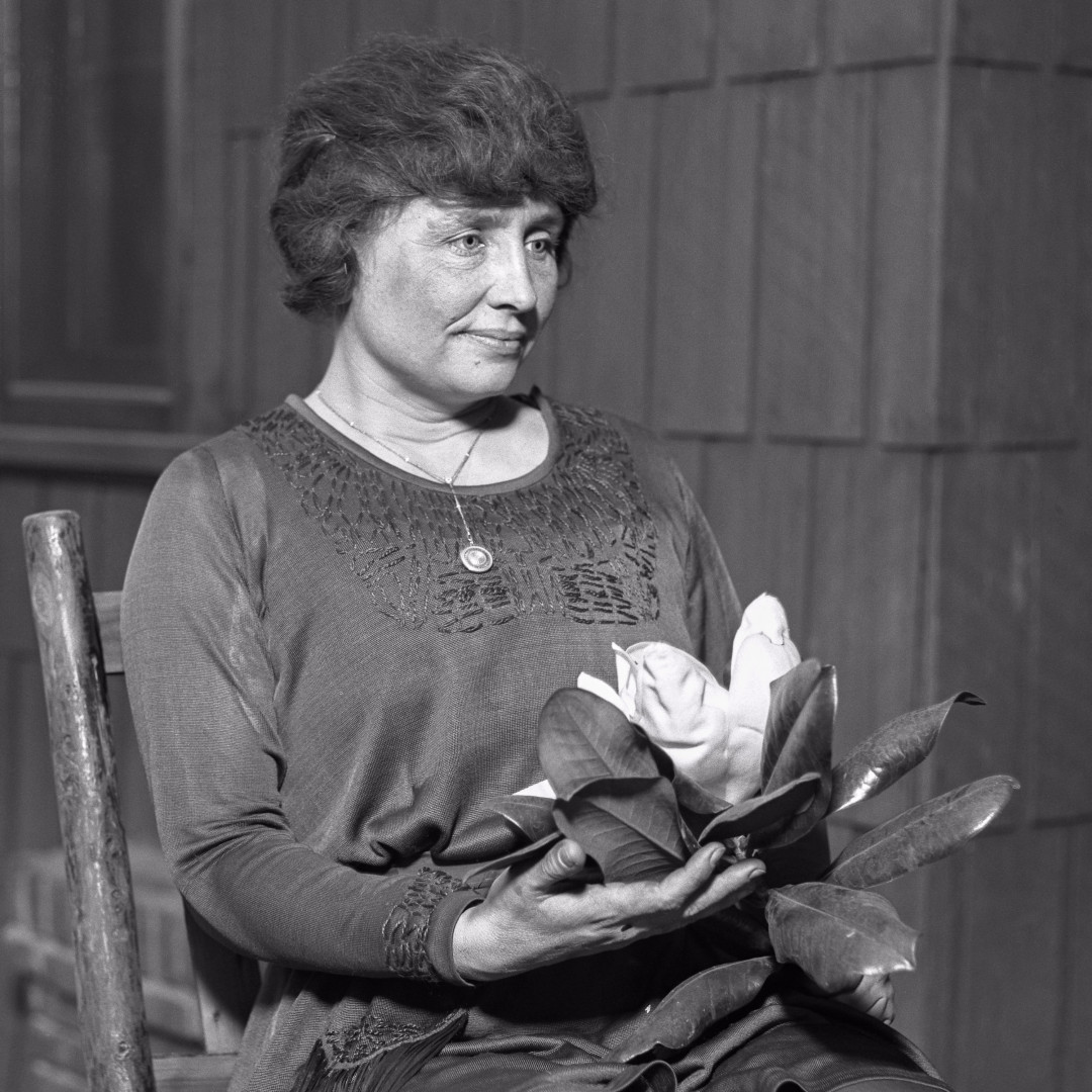 #OTD in 1968, Helen Keller died in Easton, Connecticut, at the age of 87. Blind and deaf from infancy, Keller circumvented her disabilities to become a world-renowned writer and lecturer. #HiddenHerstory