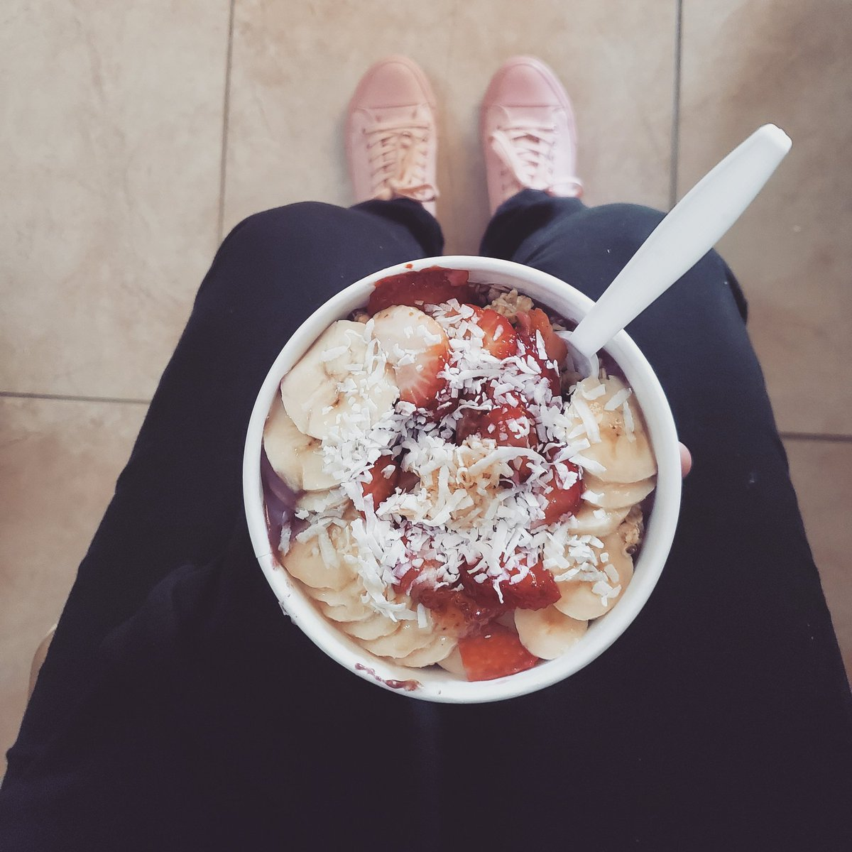 《 Me Monday 》Acai smoothie bowl to jump start the week ♡ from Vitality Bowls #healthy #eatclean #fit #fitness #smoothiebowlpic.twitter.com/Lvsgq60015