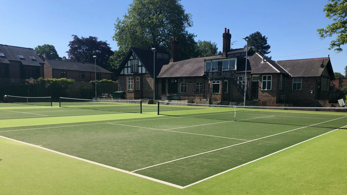 The Albert stared on ITV tonight, knocking Love Island off top viewing spot 🤗 https://t.co/CX9STswvSy #backoncourt #crowngreen #tennis #bowls #didsbury https://t.co/MOIamsxDm6