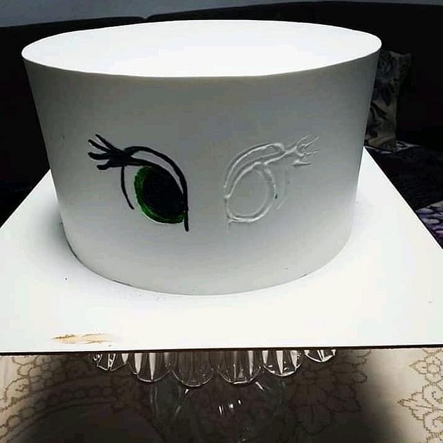Whipped cream cake  via @CakesDecor #cakedecorating #cakes