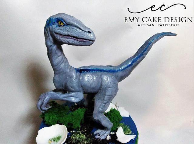 Jurassic World cake - Velociraptor Blue  via @CakesDecor #cakedecorating #cakes