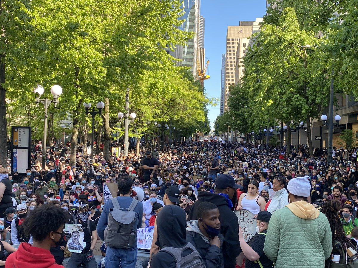 Michael Spears On Twitter Looking Down 4th Ave In Downtown Seattle Right Now Demonstration Stretches Down The Block Kiro7seattle