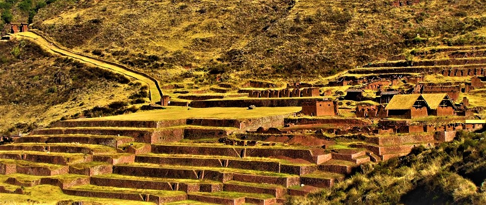 Huchuy Qosqo is an archaeological site in the Sacred Valley, with imposing buildings and large Inca platforms. More Info: https://bit.ly/2ZWRIj2 #CuscoJourneys #Photography #VisitPeru #Peru #Cusco #Traveling #MachuPicchu #Explore #Discover #HuchuyQosqoTrail #HuchuyQosqoTrekpic.twitter.com/nYYmoc2zn5