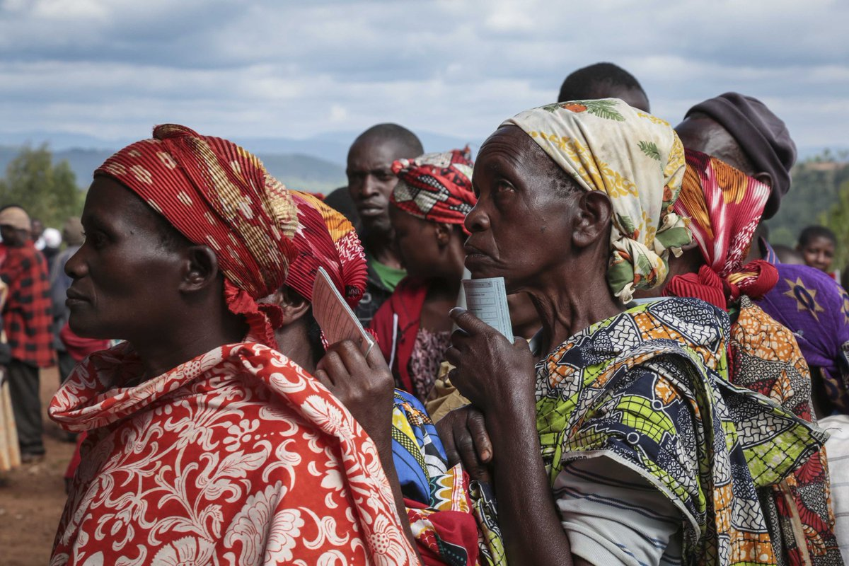 Serious allegations of abuse during #Burundi's May 20 elections should be investigated and those responsible held accountable. Reports of killings, arbitrary arrests, beatings, and voter intimidation during the campaigns should not be brushed under the rug hrw.org/news/2020/06/0…