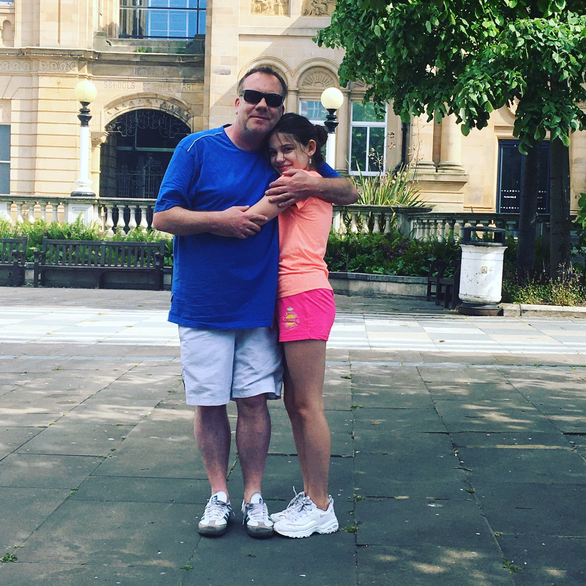 Out in the sunshine with her Dad and then back home learning two songs to cover!  #MondayMotivation pic.twitter.com/tL3SZtQYBT