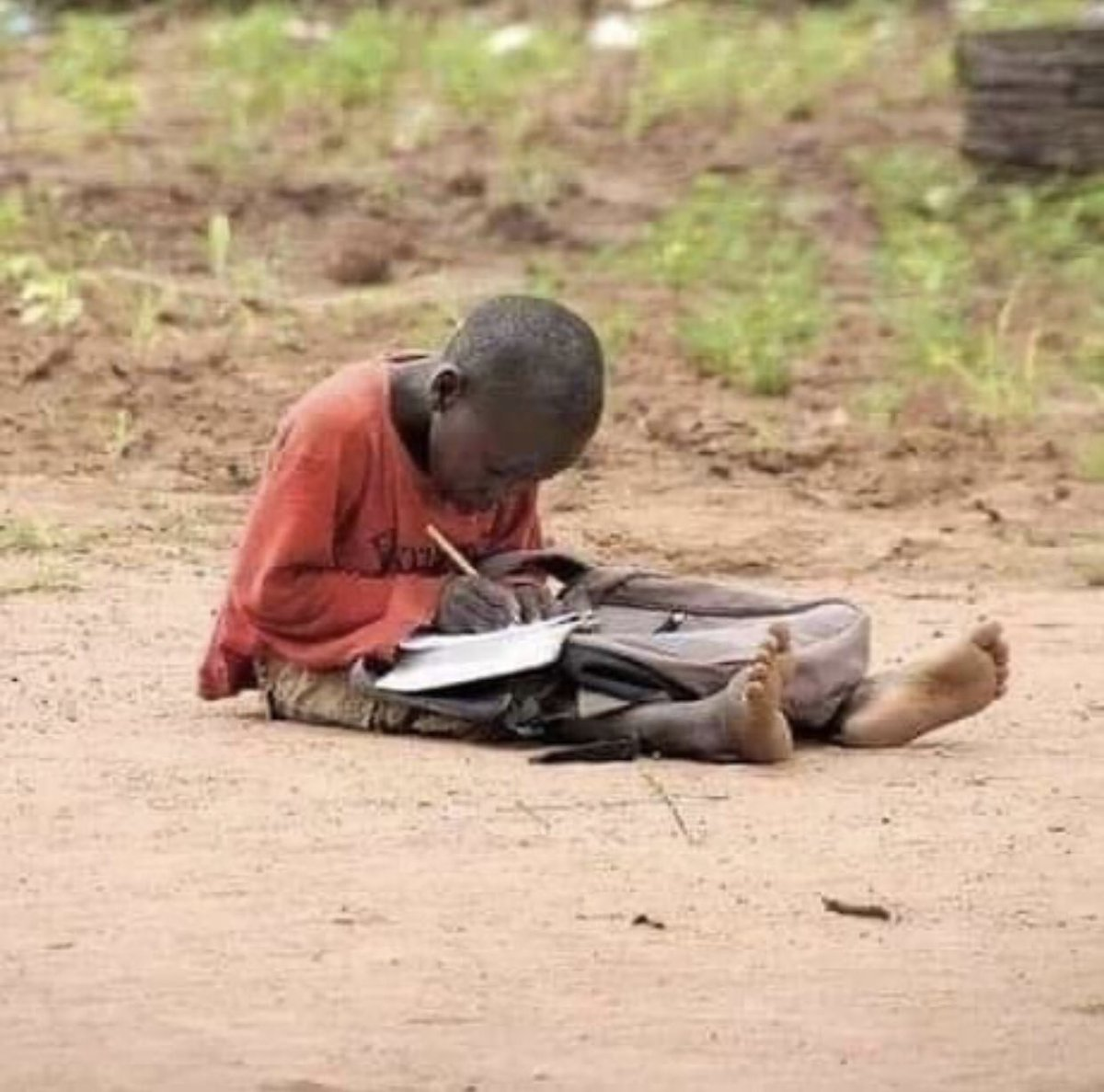 No matter what, keep trying, if you give up then, all of your hard work can go for nothing.  Remember, Every person's personality, values and experience are different. #PictureOfTheDay pic.twitter.com/giyWR3puhe