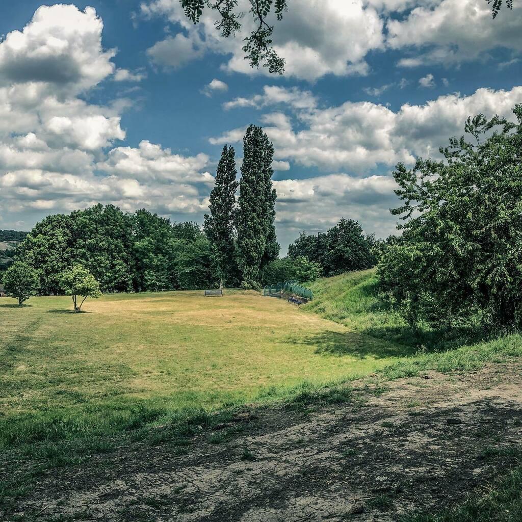 View of Hillsborough from Lower Walkley 3/3  #sheffieldexploringlocal #photodocumentary #sheffieldphotography  #sheffphotos #5dmarkIIpic.twitter.com/puqMMaouqk