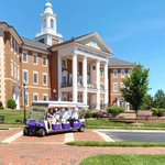 Campus visits are underway, and these guests enjoyed on their single-family tour today! Schedule yours now so you can experience HPU's nationally ranked campus, too! 💜 https://t.co/xaGOeUqytr