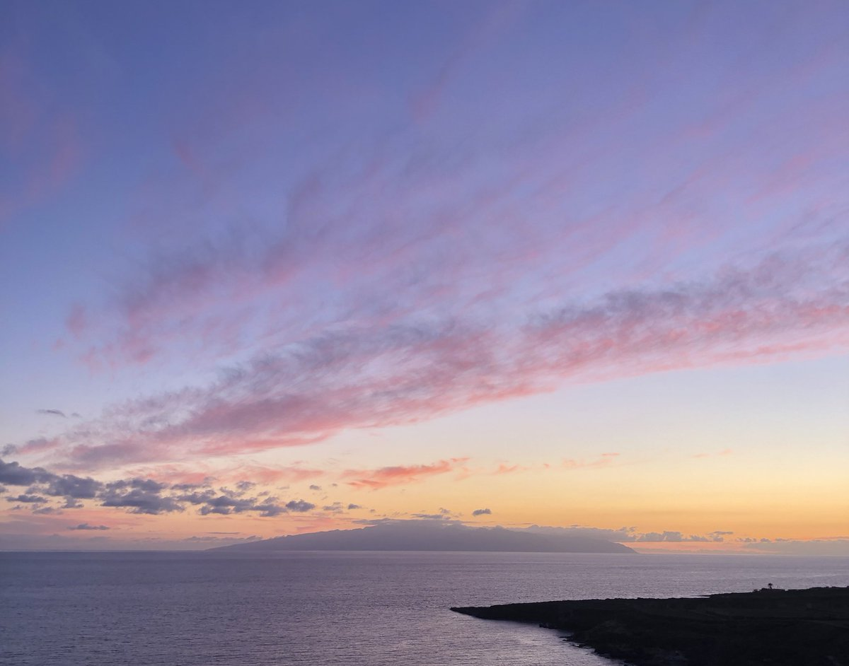 Sunsets like this make is wander 🤩 #sunset #Tenerife