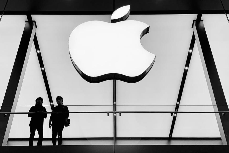 Is Apple planning to enter cloud computing By @TaariniDang
