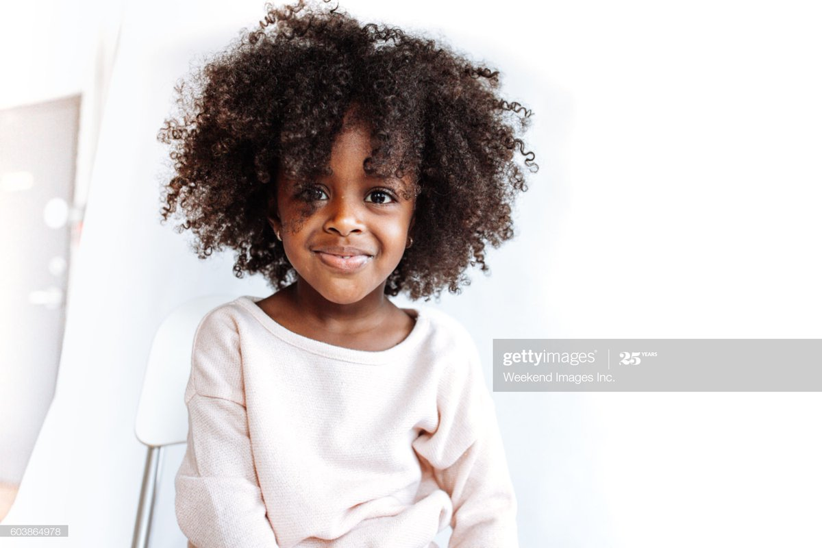First there is love  then the colour #photographer  captured the gentle ruffled look and charming smile of a #child in the World of children's fashion ... misha pic.twitter.com/kYPcIBPzJB