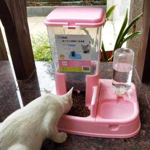 Give your #pet access to #fresh water and #food daily. Our #automatic #feeder senses when food or #water is low, and automatically #dispenses more! Visit our website to order yours today!