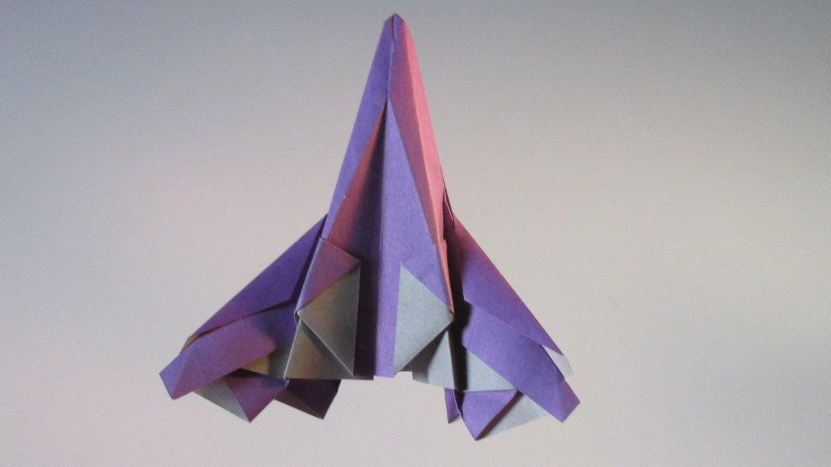 聖書《 あなたが風を吹かせられると、海は彼らをおおい、彼らは鉛のように、大いなる水の中に沈んだ。 出エジプト15:10》 #origami #折り紙作品 #折り紙 #おりがみ飛行機 #ORIGAMIAIRPLANE #nationalpaperairplaneday #airplanes #jetfighter #origamiart #宇宙戦闘機 作品紹介! https://t.co/GG1MJGzREm