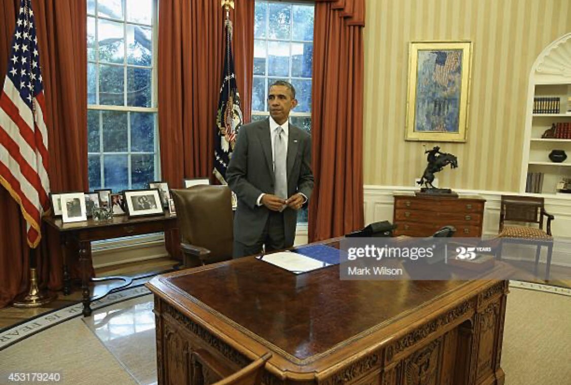 Same desk different time. Understood how to read a room. 10/10 @BarackObama https://t.co/OD6Xnl2pCI