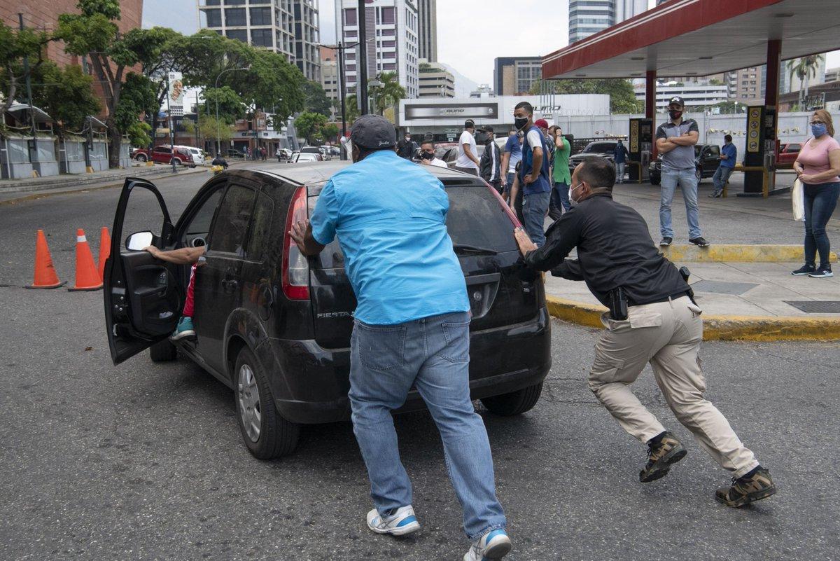 Venezuela announces fuel price hike in historic policy shift https://t.co/6MNUeMCuAh https://t.co/HzbkgIVCVn
