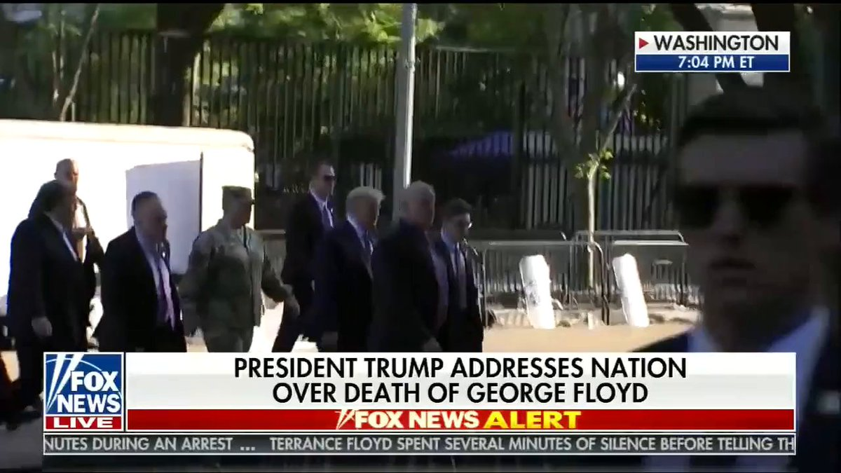 After delivering remarks in the Rose Garden, President @realDonaldTrump walked to St. John's Episcopal Church. https://t.co/ufcfbKSGvU