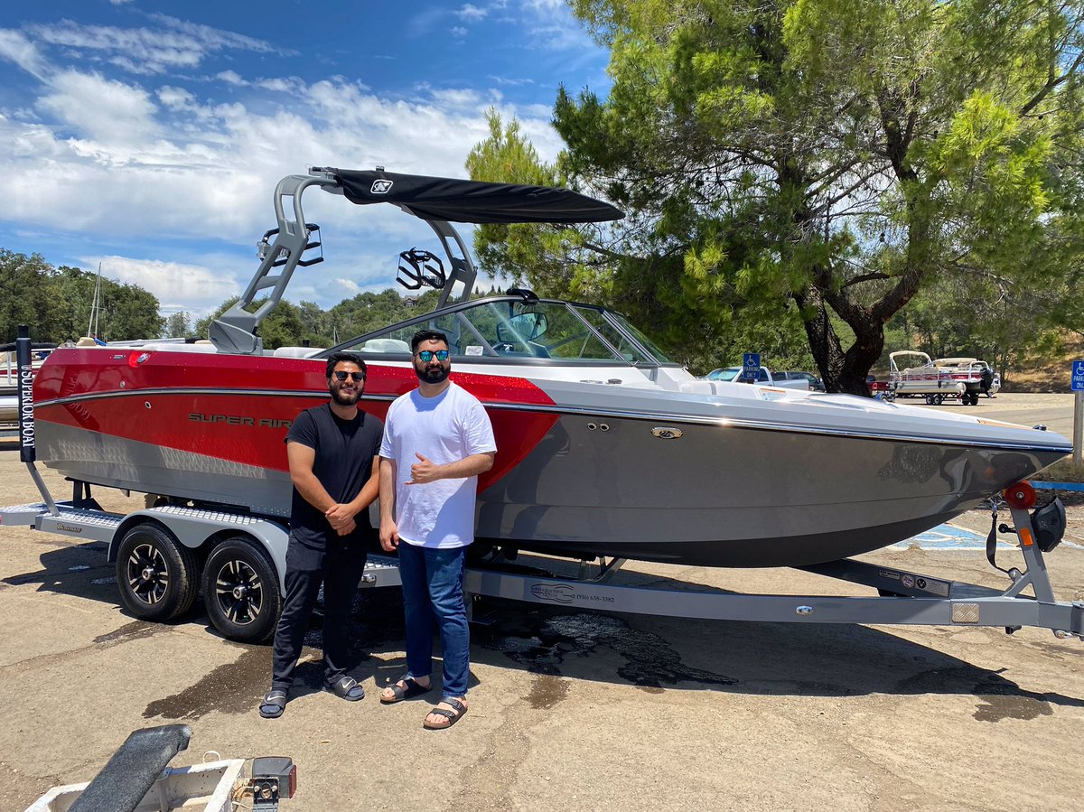 Congrats to the Sharaf family on their new 230!🛥 • • #230 #nautiqueboats #TailLightsDownPyrites #Boating #Boats #BoatLife #BoatingLife #BoatLovers #SuperiorBoat #MakeItASuperiorYear #SBRS #Travel #Summer #Water #PicOfTheDay #Sun #lake #LakeTahoe #FolsomLake #LakeOroville