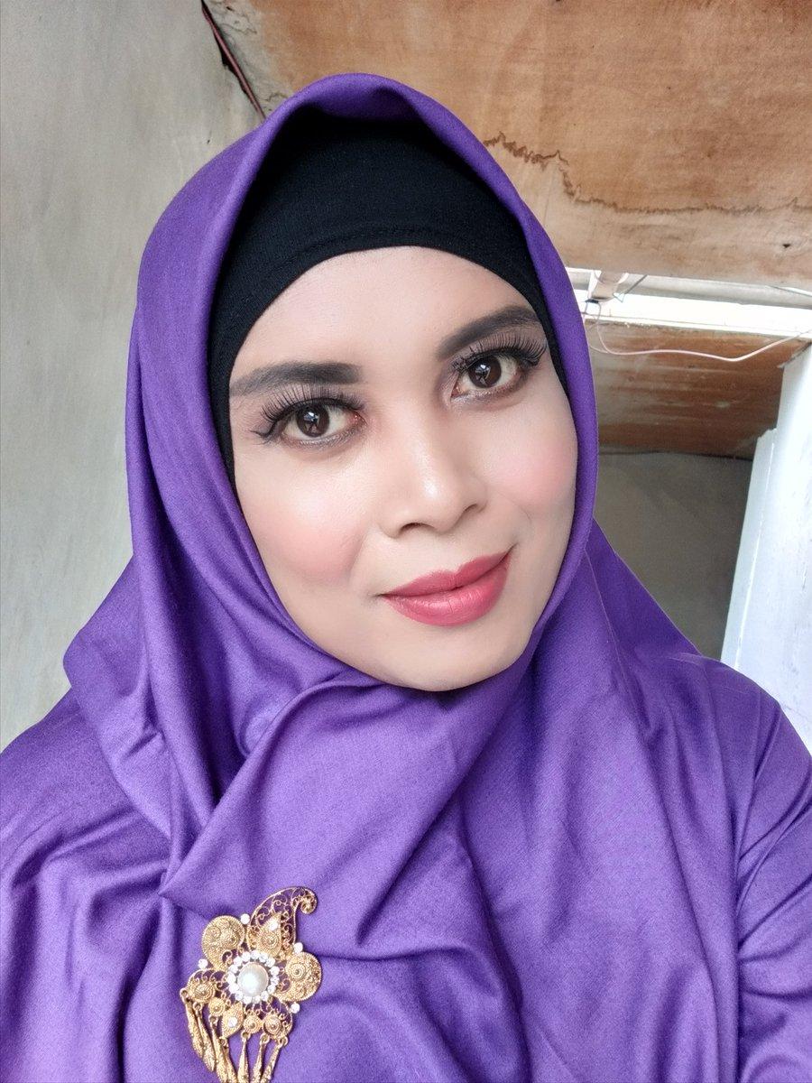 Ustadzah siap mengajar online selama masa pandemi  Mirip ustadzah TKIT SDIT  . . . . . . . . . . . . . . . .  #wfh #homeschooling #dirumahaja #belajardirumah #belajarmakeup #crossdresser #crosdresserindonesia #crosshijaber #hijab #hijabstyle #jilbab #jilbabhot #jilbabseksipic.twitter.com/Os62i3HZ6u
