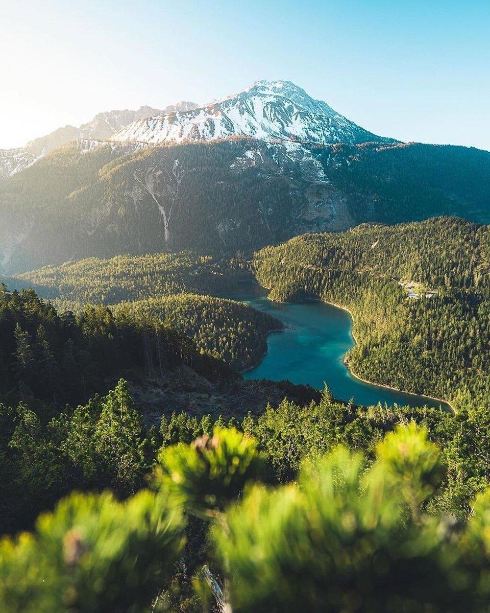 #tyrol #Austria I'd like absolutely  hiking there( fabian_kuenzel) pic.twitter.com/7vq3CnAwyy