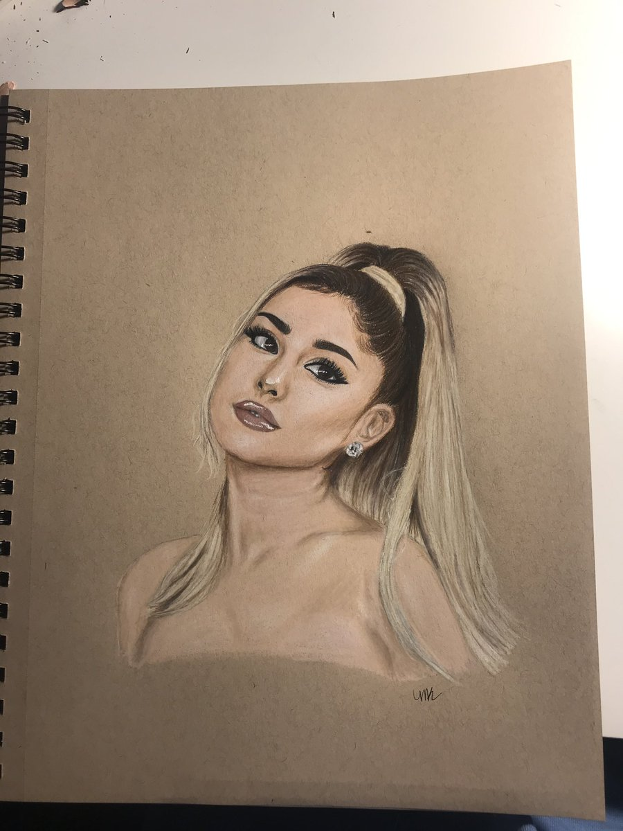 @ArianaGrande can you show this some love?!? My 14yo step daughter drew this last week 😳 she's an amazing artist! #artist #arianagrande #drawing #sketch #portrait https://t.co/e4isHCHy30