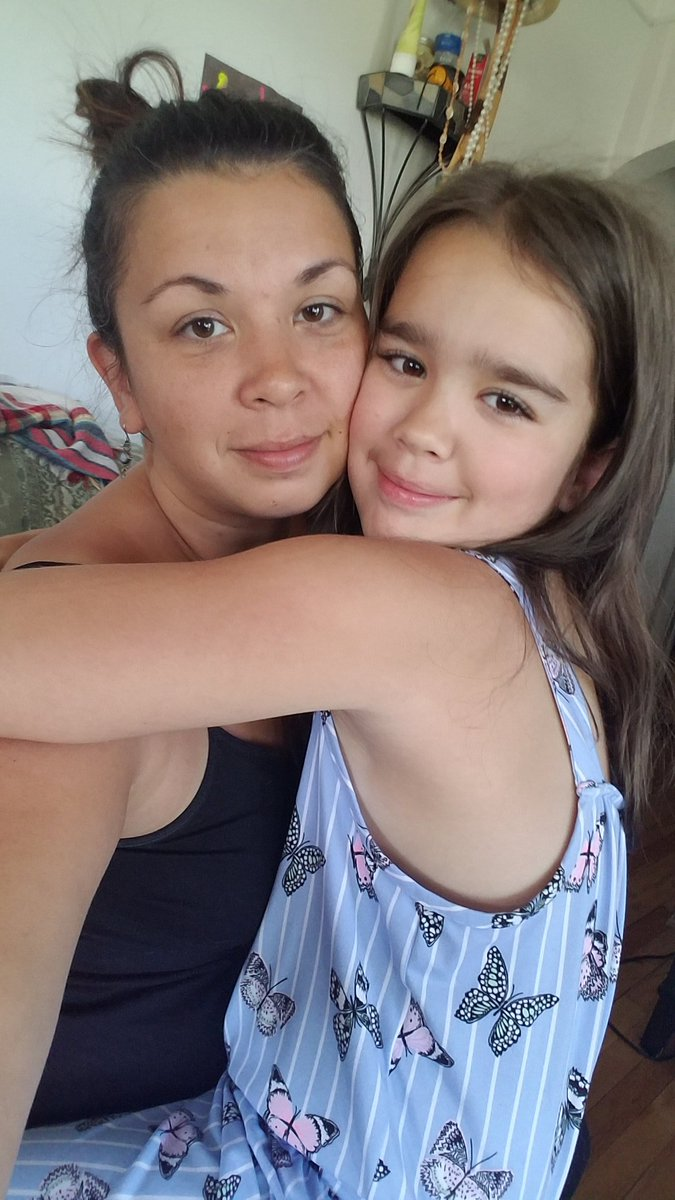 So who looks like mama more? #daughters #minime #love #blonde #blueeyes #brunettes #thoseeyelashes #goodmorning #goodnight #michigram #selfie #goodvibesonly #iloveyou https://t.co/EWMKygrYtB