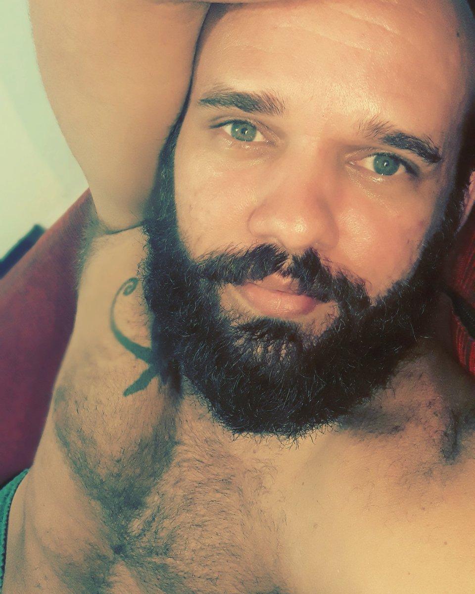 . . . #gaybr #gaystagram #gordinho #beargay #barba #barbado #barbagay #barbastyle #gayboy #instagay #melhoresdomundo #gaylove #gaybrasil #gayboy #gaypb #job #bitch #VVpic.twitter.com/y1YSgmAG8D